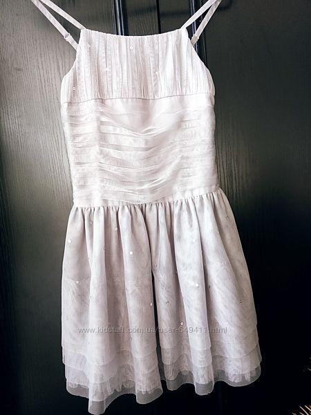 Нарядное платье LADYBIRD на  18-23 м и  M&S 10 л.