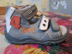 Кроксы для малышей -11, 5 см. и босоножки Little Rebel размер 2, кожаные р4
