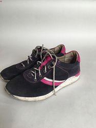 Кроссовки- туфли на девочку р.35