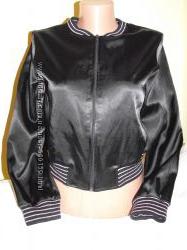 Атласная курточка на 11-12 лет.