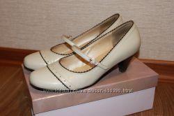 Туфли МОНАРХ, 39 размер, отличные, кожаные