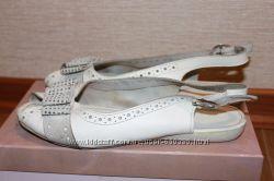 Босоножки белые кожаные 39 размер