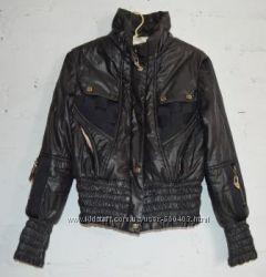 Демисезонная курточка в отличном состоянии