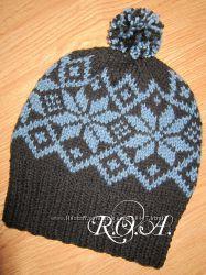 Вязанная зимняя шапка. Ручная работа