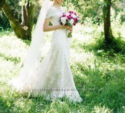 Ажурное свадебное платье бренда Victoria Soprano, цвет айвори, шлейф