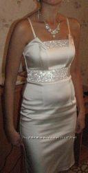 Красивое свадебное, выпускное платье с накидкой