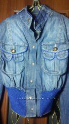 Джинсовая коротенькая куртка пиджак Gizia
