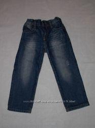 Продам джинсы на мальчика на 4 года