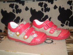 продаются туфли для девочки