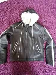 Кожаная куртка с капюшоном S