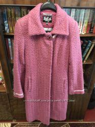 Демисезонное пальто 44 разм