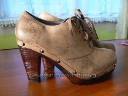 Ботинки на каблуке 39 размер, 25, 5см