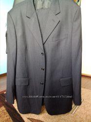 Чёрный костюм в идеальном состоянии от львовского дизайнера.