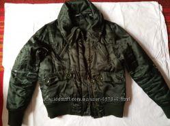 Демісезонна жіноча куртка