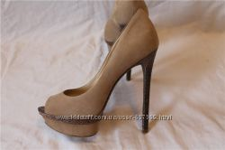 Новые шикарные туфли с открытым носиком B Brian Atwood. оригинал