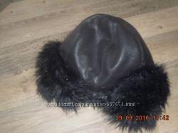 Женская зимняя шапка с мехом