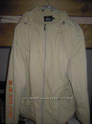 Женская куртка-ветровка с капюшоном, р. - 54