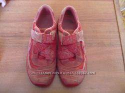 Кроссовочки  ELEFANTEN р-р 31 в отличном состоянии