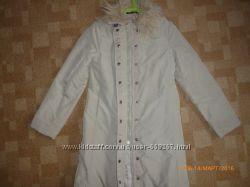 Продам весенне пальто ZARA BASIC размер 12. Состояние идеальное.