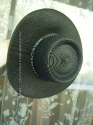 Шляпа плетена чорна bershka