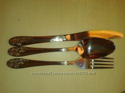 Столовые приборы столовые и десертные ложки, вилки