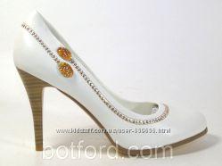 Туфли для особых случаев IVANКА white, р. 35-40