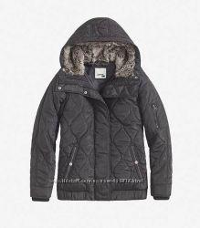 демисезонная курточка Levis