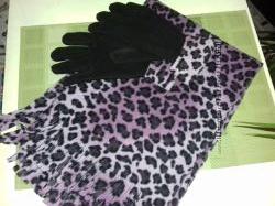 Женский набор, шарф флисовый и перчатки размер 1