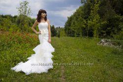 Продам свадебное платье со шлейфом, чехол. Айвори. Не венчано