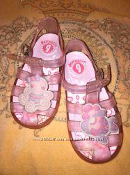 Летняя обувь для малышей Garvalin и ещё варианты