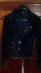 Велюровый пиджак очень красивый
