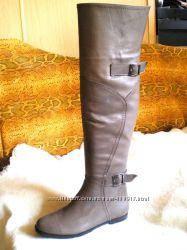Ботфорты супермодные бежевые женские кожаные на низком ходу