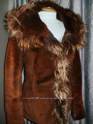 куртка шуба Gucci. капюшон, мех стриженый пони и енот. М