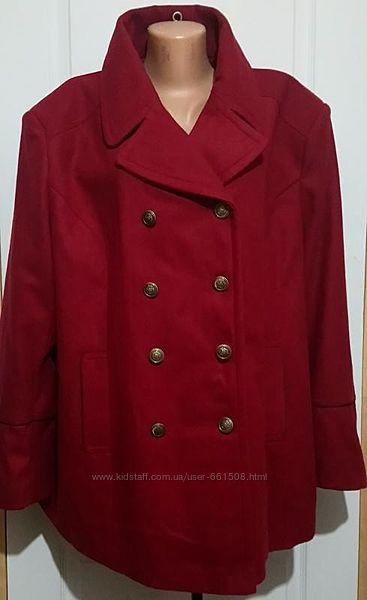 Броское пальто на шикарные формы. с бирками, размер 24