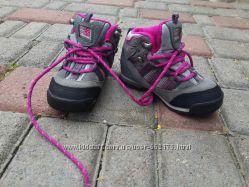 Karrimor фірмове взуття для дівчинки. 15. 5 см