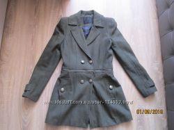 пальто бутылочного цвета