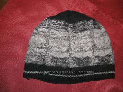 продам вязаный трикотажный комплект-берет с шарфом