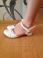 Туфли на каблучке для Принцесс