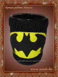 Вязаный чехол для чашки Бетмен
