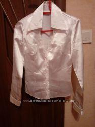 біла блузка і блузи різних кольорів на 44-46 розмір