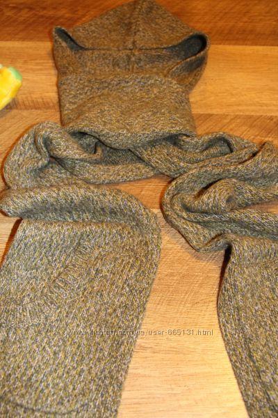 Теплый шерстяной шарф-капор GapKids с кармашками для рук.