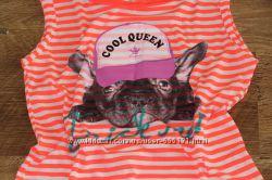 Яркая футболочка Colins с бульдогом.