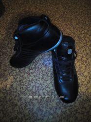 Теплые кроссовки
