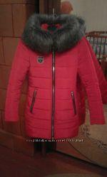 Куртка червоного кольору