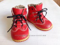 Распродаю обувь ботинки 21 размер