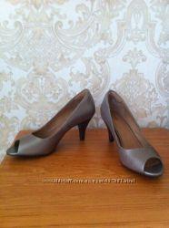 Туфли Clarks натуральная кожа 37-38 размер оригинал