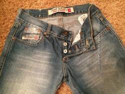 Женские джинсы фирмы Diesel
