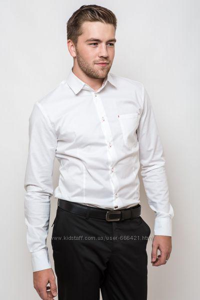 Стильная приталенная мужская рубашка с контрастными петлями белая
