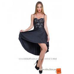 Изысканное нарядное  платье с гипюром и плиссе