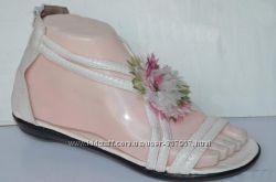 Белые сандалии с цветком 36-37 р. Распродажа